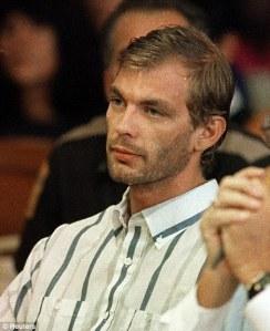 Jeffrey-Dahmer-killer-book-02